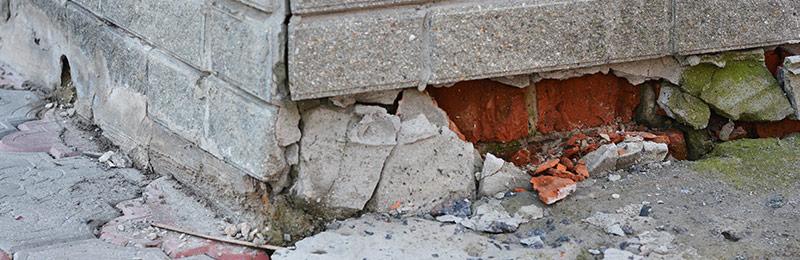 vochtproblemen door scheuren en beschadigingen